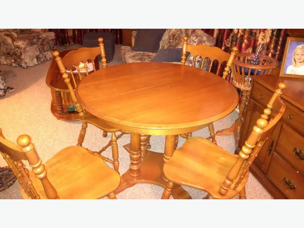 solid wood table and chairs with leaf