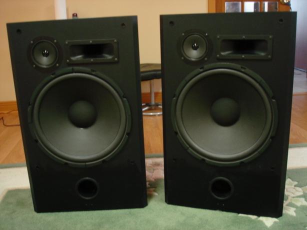 """OPTIMUS GX-1600A 15"""" speakers"""