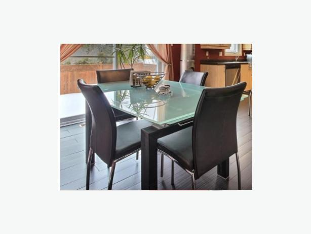 Dining table chairs table de salle manger chaises for Salle a manger table chaise