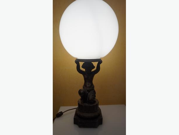 4u2c ANTIQUE PATINATED BRONZE METAL CHERUB LAMP WITH WHITE GLOBE