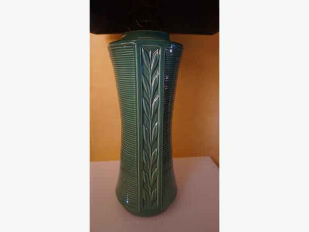 4U2C MID CENTURY GREEN GLAZE POTTERY LAMP WITH LEAF MOTIF