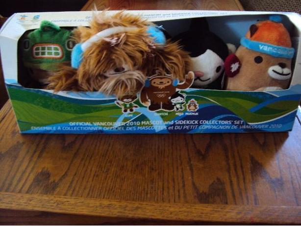 official vancouver 2010 mascot and sidekick collectors set