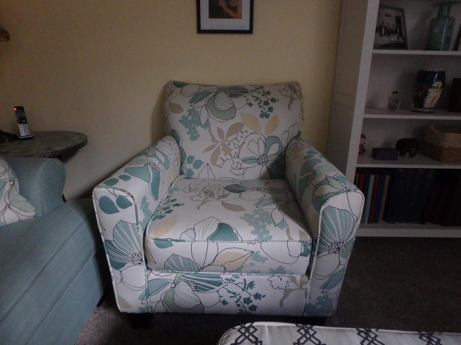 Ashley furniture sofa chair and large ottoman kanata ottawa for Ashley furniture montreal