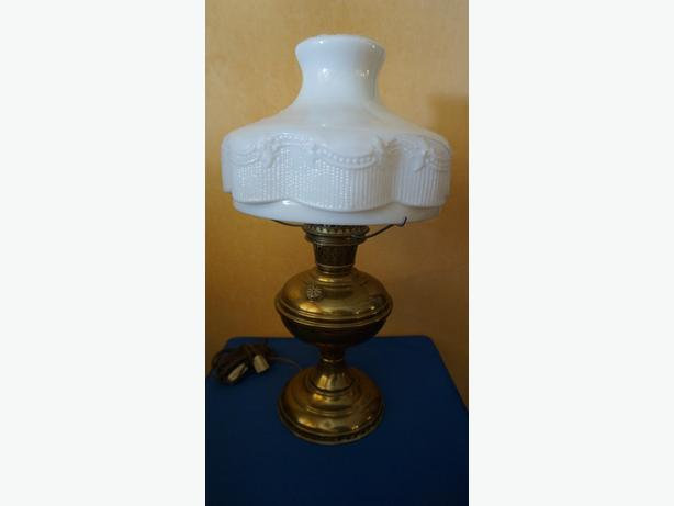 4u2c ALADDIN BRASS OIL LAMP WHITE GLASS SHADE