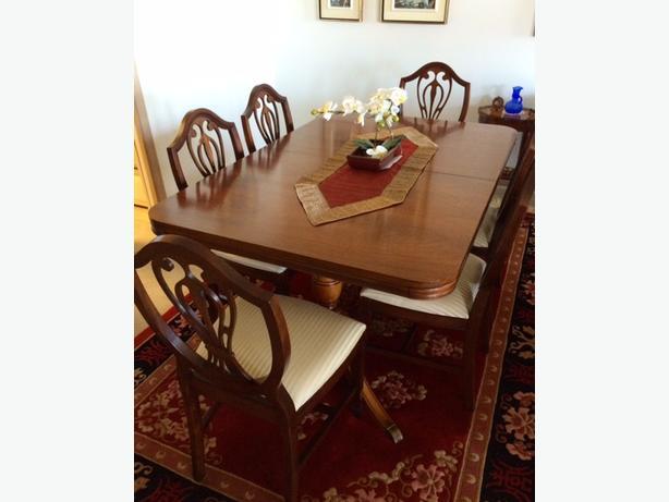 Gibbard Mahogany Dining Room Table