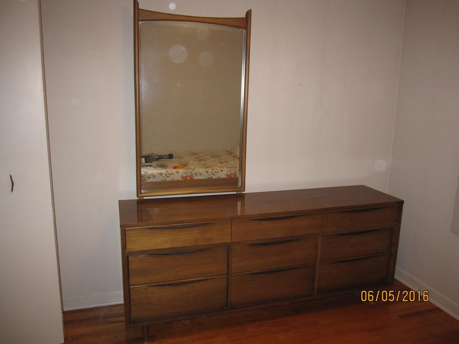 Mid Century Modern Walnut 3 Piece Bedroom Set Nepean Ottawa