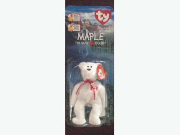44a6a26194a TY Beanie Baby - MAPLE the Bear Canada Flag