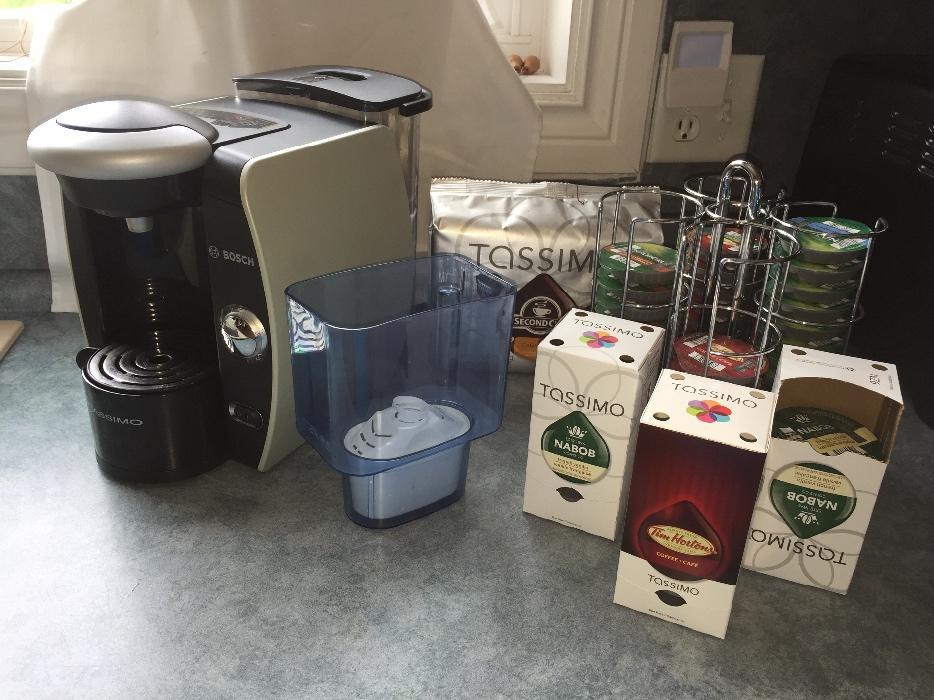 Bosch Tassimo Machine, water filter, Coffee & Coffee Carousel Gloucester, Gatineau