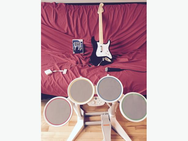 Rockband game and accessories