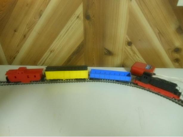 ***Vintage Cragstan West German Train Set Made By Distler***