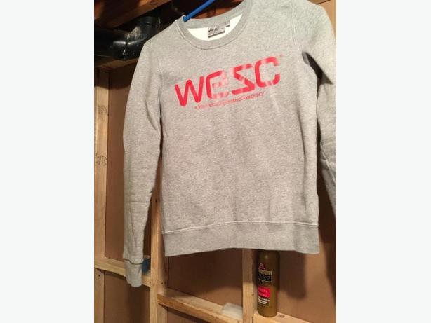grey wescsweatshirt