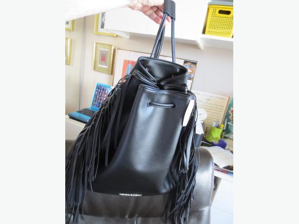 VICTORIA SECRET *New Black Purse Now $10!! View Other Items >>>