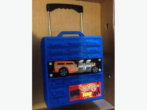 Hot Wheels 100 Car carry / suitcase