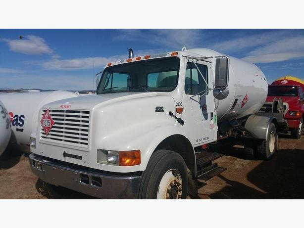 2003 FORD PROPANE DELIVERY TRUCK--2600 GAL. --