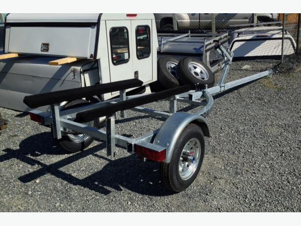 New Road Runner Boat Trailer