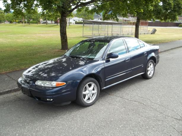 2000 OLDSMOBILE ALERO GLS SEDAN - UNDER $2,000.00