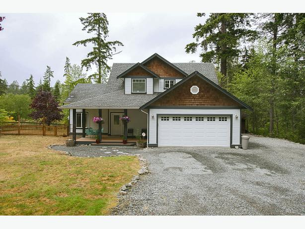 Private Acreage in Shawnigan w/Additional Accommodation
