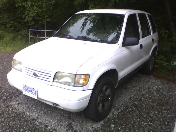 1995 White Kia Sportage For Sale In Courtenay! Courtenay