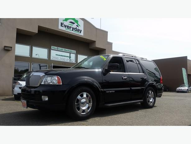 2005 lincoln navigator ultimate reduced outside comox. Black Bedroom Furniture Sets. Home Design Ideas