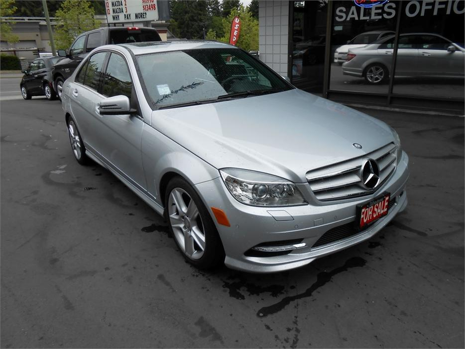 2011 mercedes benz c300 4matic outside cowichan valley. Black Bedroom Furniture Sets. Home Design Ideas