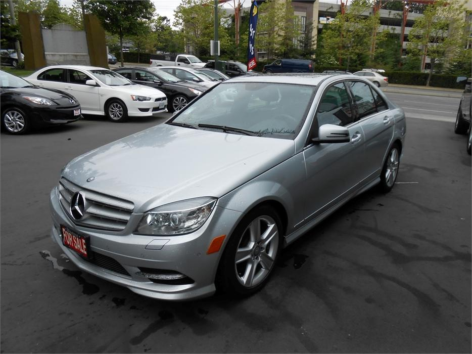 2011 mercedes benz c300 4matic outside cowichan valley for Average cost of oil change for mercedes benz