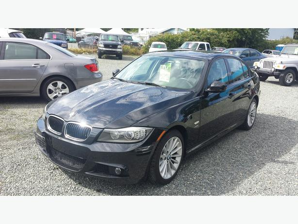 2011 BMW  328Xi *WINTER'S COMING*BEST PRICE ANYWHERE*
