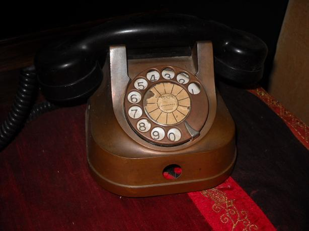 4U2C UNIQUE VINTAGE BRASS or COPPER AND BAKELITE ROTARY PHONE