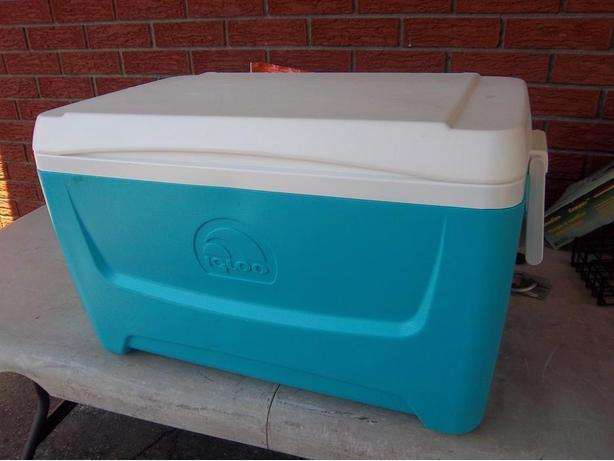"""Island Breeze 48"" Igloo cooler"