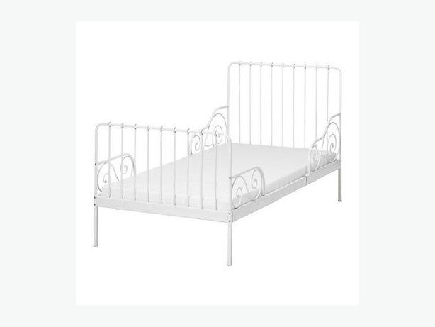 White Ikea Minnen bed