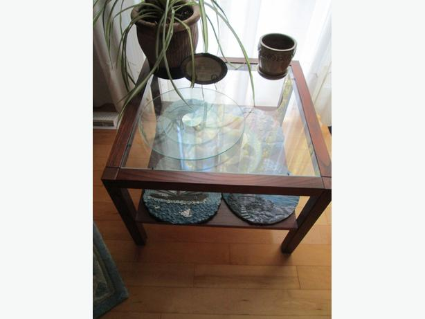 Square two tier coffee table