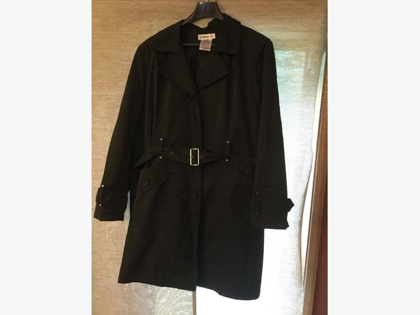 Jones & Co XL black trench