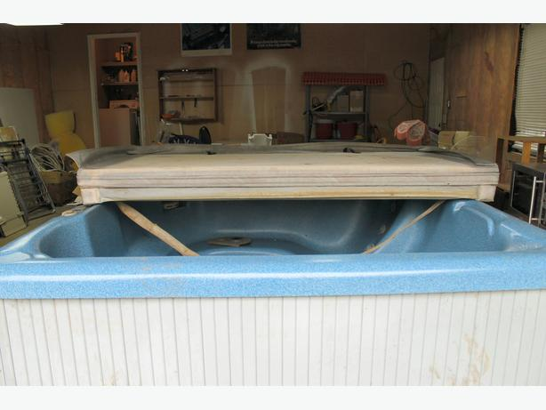 BeachComber 350 Hot Tub - Price slashed