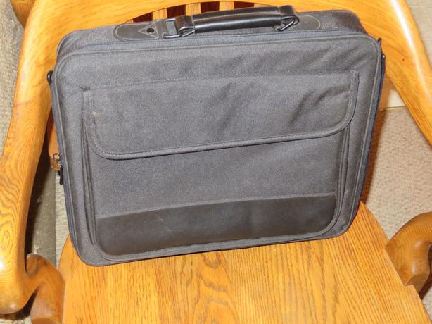 Laptop bags and carry cases - $8 to$15
