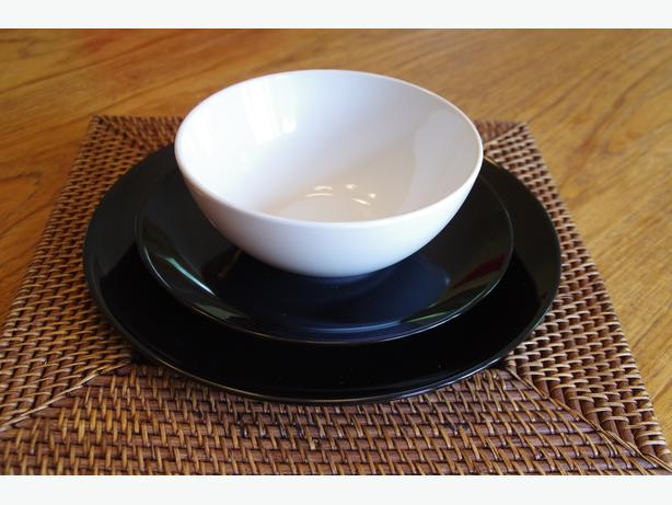 Black & White Dish Set