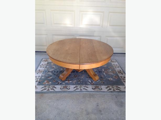 Solid Oak Round Coffee Table Esquimalt View Royal Victoria