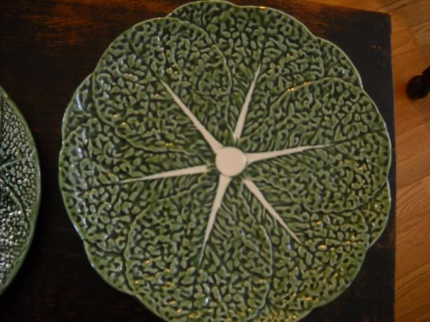 4U2C VINTAGE LARGE CABBAGE LEAF PLATTER MADE IN PORTUGAL
