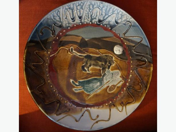 4U2C ZACH DIETRICH CEREMIC PLATTER, THEME SLEEPING GYPSY