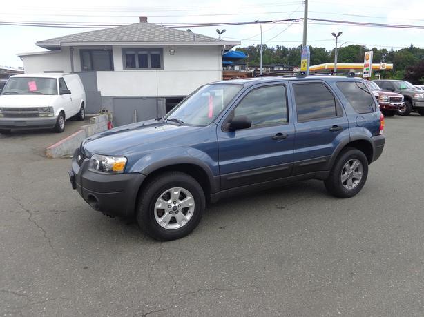 2005 ford escape 4wd xlt -  leather