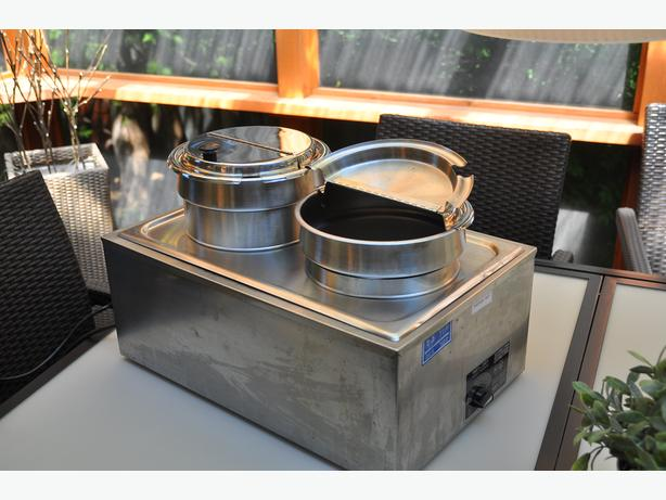 Electric Chafing dish with round inserts