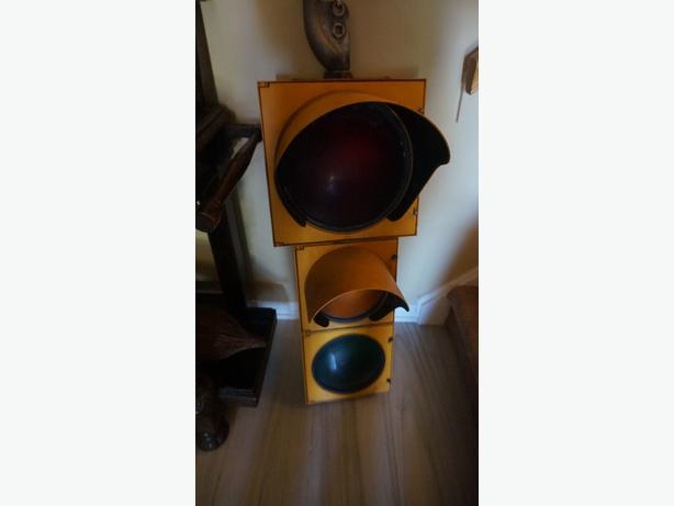 4u2c AUTHENTIC TRAFFIC LIGHT