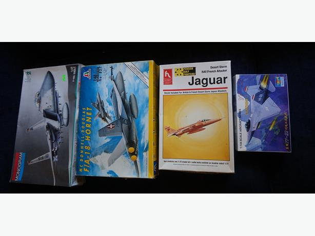 4U2C VINTAGE FOUR AIR PLANE MODELS PRICE IS FOR ALL FOUR