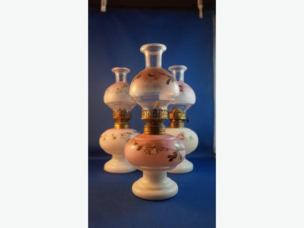 4U2C CHOICE of MINIATURE HAND PAINTED OIL LAMPS