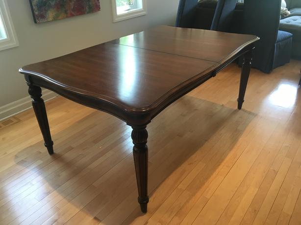 Kincaid Furniture Company 3 Piece Dinning Room Set