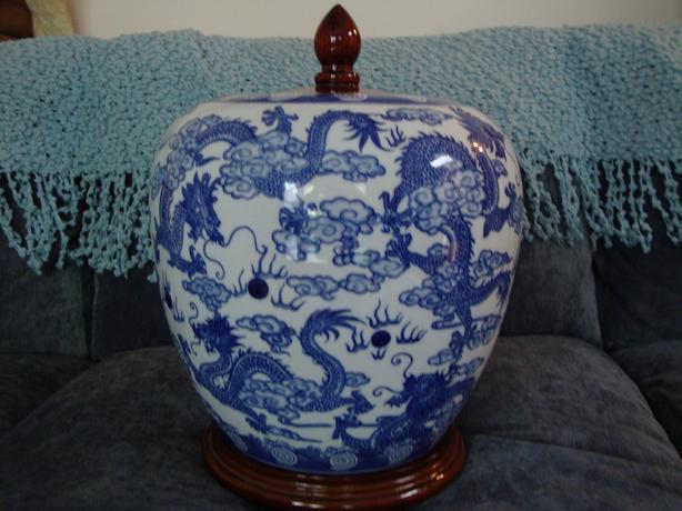 Bombay Classic Blue & White Vase