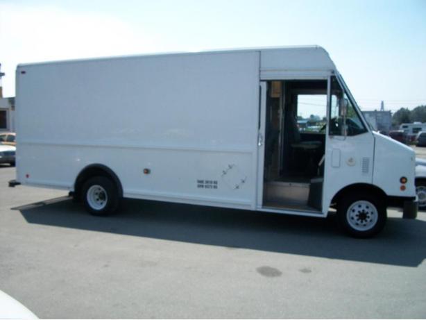 2004 Ford E450 Utilimaster Cargo Van.