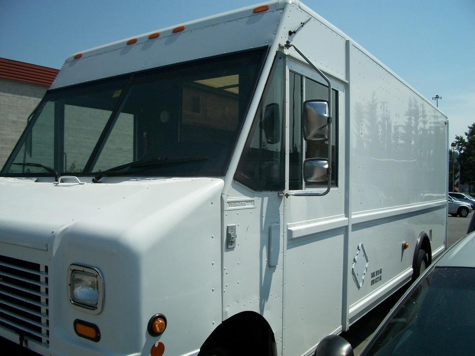 2004 Ford E450 Utilimaster Cargo Van Surrey Incl White