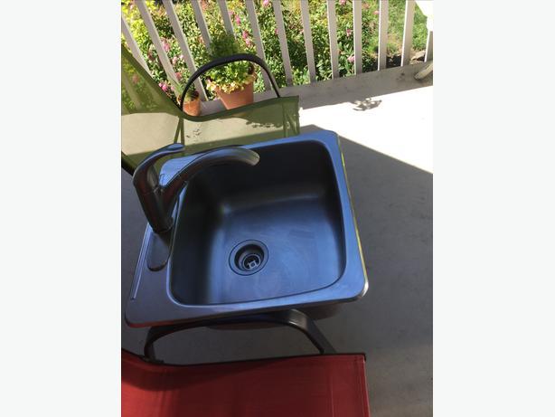 Wessan Kitchen Sink & Pfizer Faucet Saanich, Victoria