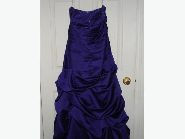 LARGE DRESSY DRESS