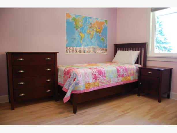 great odin 39 s raven mint bedroom set now with price drop saanich