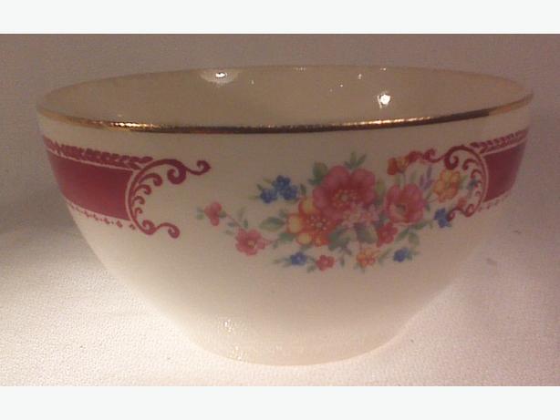 Homer Laughlin cranberry bowl